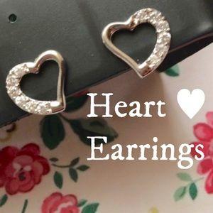 Jewelry - Cute Heart ❤️ Earrings